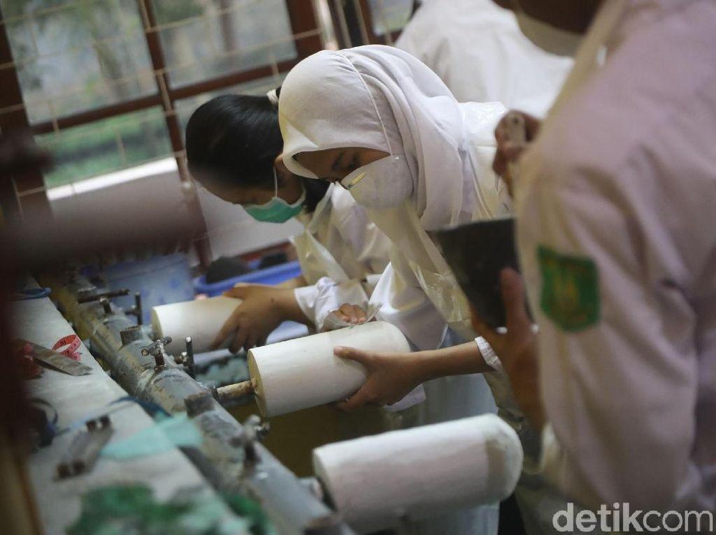 Mengintip Pembuatan Tangan dan Kaki Palsu di Poltekkes Jakarta 1