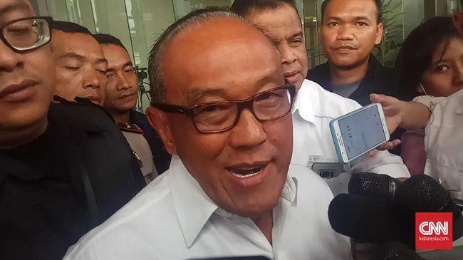 Aburizal Bakrie Jenguk Wiranto: Kelingking Terluka