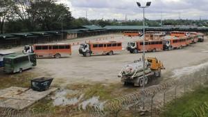 Kelompok Bersenjata Membakar Kendaraan Milik Freeport