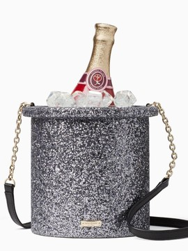 Kate Spade Rilis Tas Unik Berbentuk Bucket Champagne