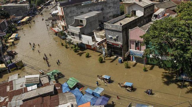 Banjir Bandung Meluas ke 5 Kecamatan, 225 Orang Mengungsi