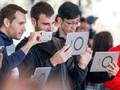 Mahasiswa Protes ke Apple Soal Kecanduan Ponsel