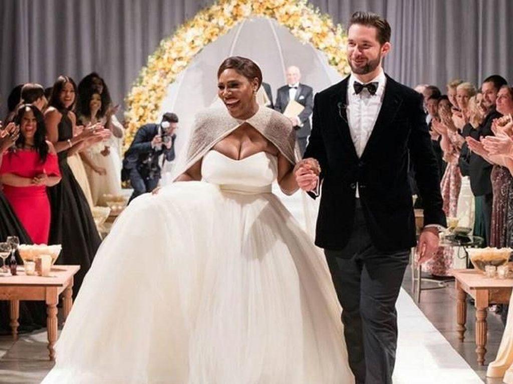 Penampilan Serena Williams Bak Putri Raja di Hari Pernikahannya