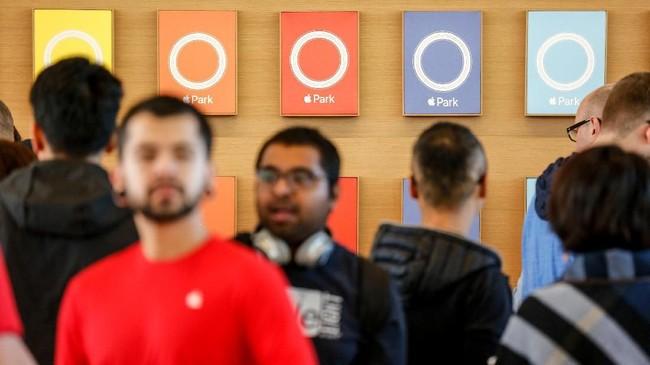 Apple mengusung arsitektur yang sesuai dengan misi perusahaan untuk menghadirkan bangunan yang ramah lingkungan melalui penggunaan energi terbarukan. (AFP PHOTO / Amy Osborne)