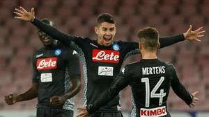 Kalahkan AC Milan, Napoli Kokoh di Puncak Klasemen
