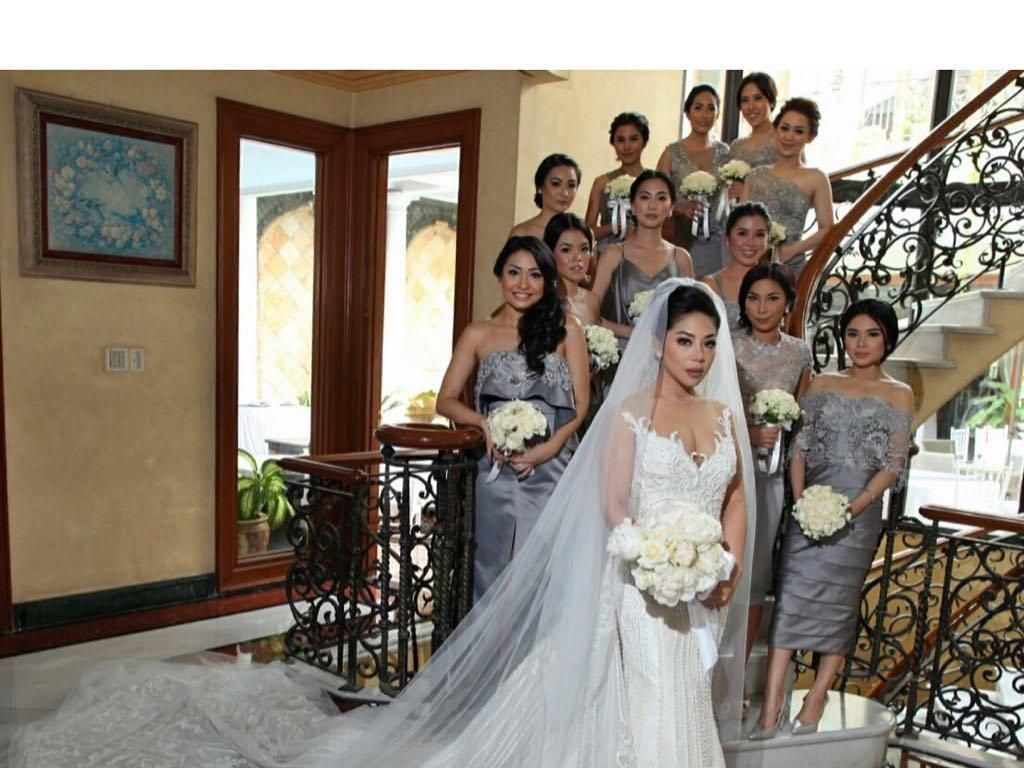 Foto: 12 Gaya Glamour Putri Setya Novanto, Dwina Michaella