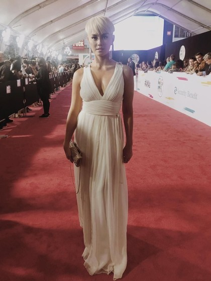 Tampil Beda, Agnez Mo Eksis di Red Carpet American Music Awards 2017
