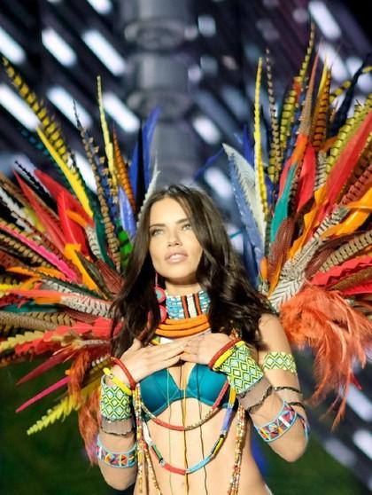 Pamer Tubuh Seksi di Catwalk, Ini Diet Para Model Victorias Secret 2017