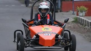 Mobil Listrik Karya Mahasiswa Poltek Untag Berlaga di Bandung