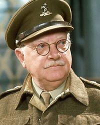 Arthur Lowe seorang aktor Inggris juga mengidap narkolepsi selama bertahun-tahun. Bahkan saat mengemudi ia pun bisa tertidur lelap.