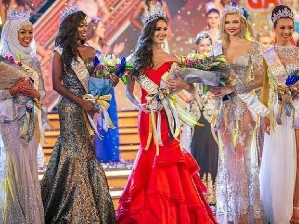 Foto: Ini Ayan Said, Hijabers Pertama yang Jadi Juara di Miss Global 2017