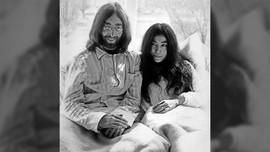 Polisi Jerman Temukan Kaca Mata Bulat John Lennon yang Dicuri