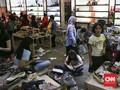 FOTO: Cuci Gudang Matahari Mal Taman Anggrek Jelang Tutup
