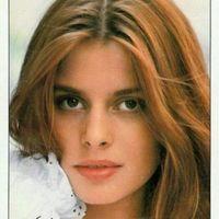Nastassja Kinski seorang aktris Jerman berjuang melawan narkolepsi yang diidapnya. Walau kondisinya seperti itu, ia sudah membintangi lebih dari enam puluh judul film.