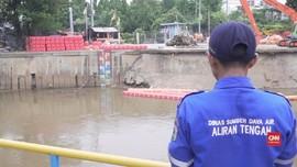 Basri dan Cerita Menjaga Pintu Air Jakarta