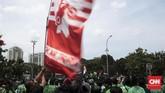 Pemberlakuan tarif yang dianggap semena-mena dari perusahaan dan kebijakan yang memberatkan juga menjadi agenda dalam unjuk rasa kali ini. (CNN Indonesia/Andry Novelino)