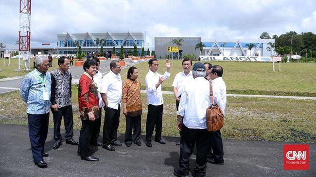 Menko Luhut Sebut Keinginan Jokowi Privatisasi Empat Bandara
