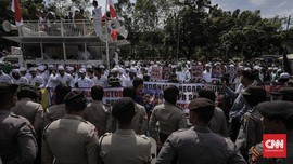 Batal Long March, Massa Aksi Tetap Demo di Kedubes AS