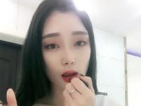 Viral, Tutorial Kocak agar Lipstik Tidak Luntur Saat Makan