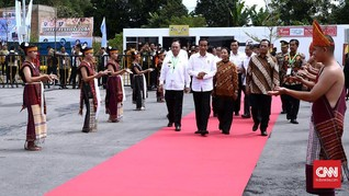 Presiden Jokowi Belajar Tari Tortor dari Internet