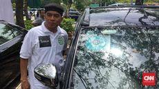 Pemerintah Resmi Rilis Stiker Khusus Taksi Online