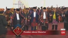 VIDEO: Aksi Jokowi-Iriana Menari Tor-tor di Pesta Kahiyang