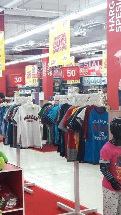 Beragam Barang Fashion di Transmart Carrefour Diskon Hingga 50%