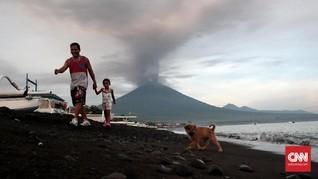 <i>Live Streaming</i>: Pantau Kondisi Gunung Agung Terkini