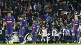 Valencia kemudian unggul pada menit ke-60 melalui gol Rodrigo yang membobol gawang Barcelona usai meneruskan umpan tarik dari sisi kiri. (REUTERS/Heino Kalis)
