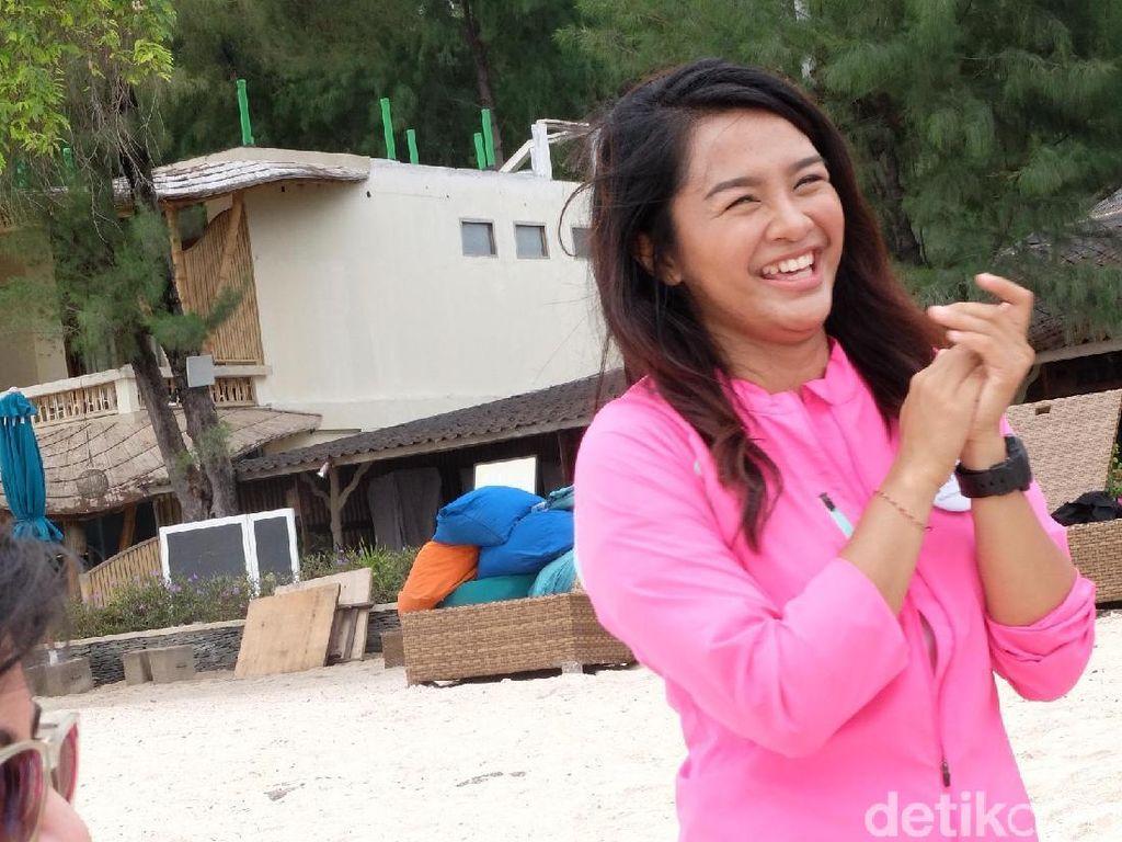 Pesona Dellie Dinda, Srikandi Cantik Harumkan Indonesia di Panahan Dunia