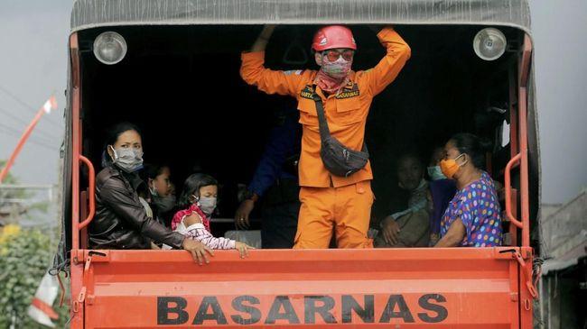 Alternatif Masker untuk Hadapi Abu Vulkanik Gunung Agung