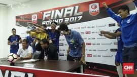 PSIS ke Liga 1, Pelatih Diguyur Air