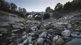 Pemandangan Sungai Xares, A Veiga, barat laut Spanyol pada 27 Oktober lalu. (AFP PHOTO/MIGUEL RIOPA)