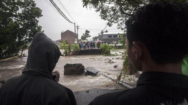 Pemprov Banten Siaga 24 Jam Hadapi Badai Dahlia