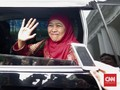Khofifah Mesem-Mesem Bahas 'Surat Izin' ke Jokowi