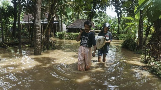 Kader PKS Minta Negara Hadir Tangani Badai Siklon Cempaka