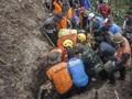 SAR Evakuasi Satu Korban Meninggal Tertimbun Longsor di Garut