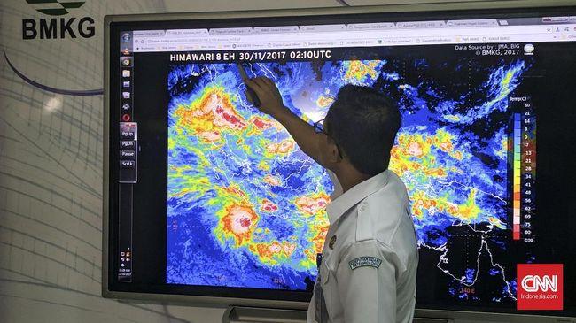Siklon Tropis Lili Bergerak dari Laut Timor ke Arah Kupang