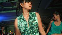 Walau tampak berkeringat, Farah tetap saja terlihat cantik dan seksi. Foto: Widiya Wiyanti/detikHealth