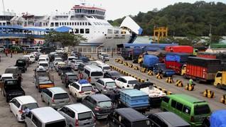 Puncak Arus Mudik di Pelabuhan Merak Diperkirakan Malam Ini