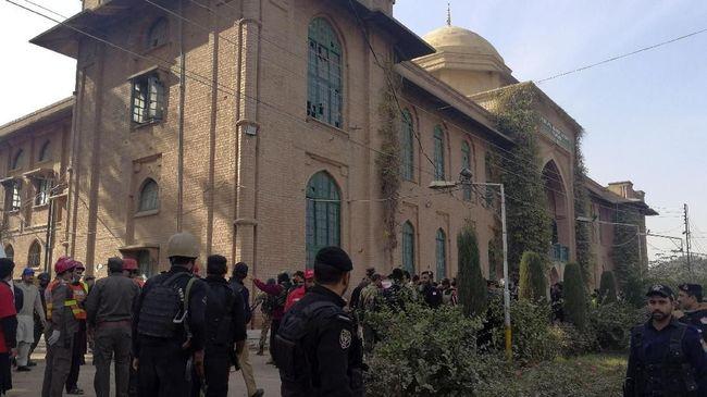 Desak Militan, Pakistan Ambil Kendali 182 Sekolah Agama