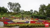 Chiang Rai berada di utara Thailand. Kota ini berhawa sejuk dibingkai pegunungan. Keluarga Kerajaan Thailand membangun vila di sini, yang diberi nama Istana Doi Tung.