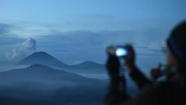 Bromo Erupsi, Aktivitas Wisata Masih Terpantau Normal