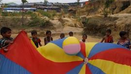 FOTO: Anak-anak Rohingya Gembira di Tengah Duka