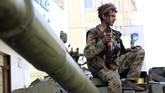 Kini, koalisi pimpinan Arab Saudi dihadapkan pada dua pilihan: terus bertempur atau berkompromi dan mengajak kelompok Houthi ke meja perundingan. (AFP Photo/Mohammed Huwais)