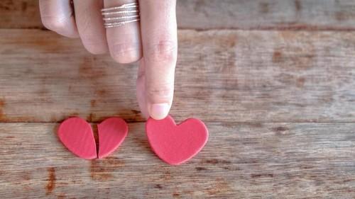 Cinta Terlarang Politikus PKS-PKB