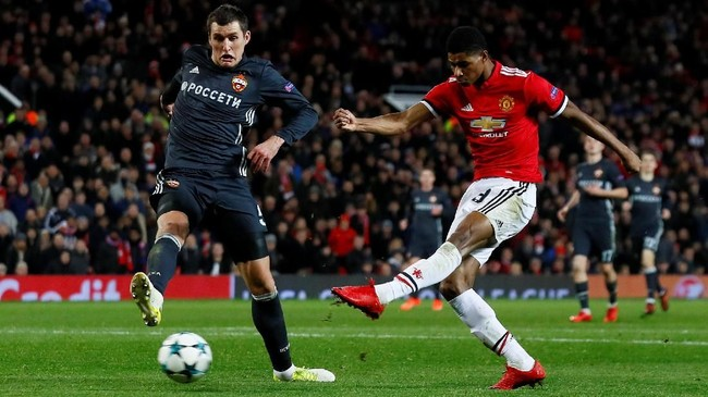 <p>Manchester United harus susah payah untuk bisa mengalahkan CSKA Moskow. Sempat tertinggal satu gol, Manchester United mampu membalikkan keadaan melalui gol Romelu Lukaku dan Marcus Rashford. (Reuters/Jason Cairnduff)</p>