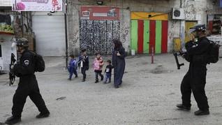 Keluarga Palestina Diusir hingga Wanita Tertusuk Sedotan Besi