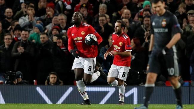 <p>Manchester United menobatkan diri sebagai juara Grup A setelah mengalahkan CSKA Moskow 2-1 pada laga terakhir di Old Trafford, Rabu (5/12) malam waktu setempat. (REUTERS/Phil Noble)</p>