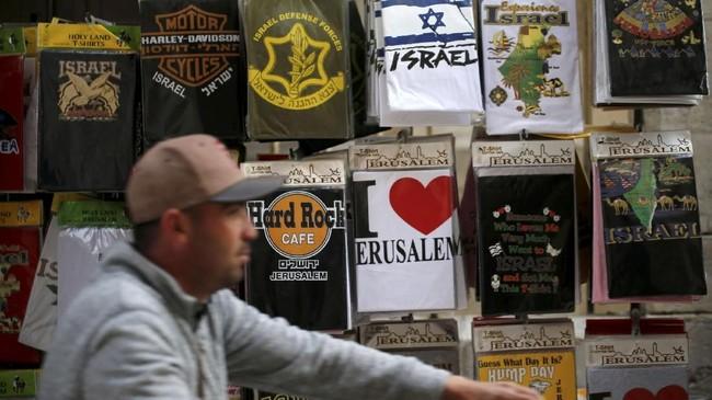 Sementara itu, warga Palestina menginginkan Yerusalem sebagai ibu kotanya di masa depan setelah mencapai kemerdekaandaripenjajahan Israel.(Reuters/Ammar Awad)
